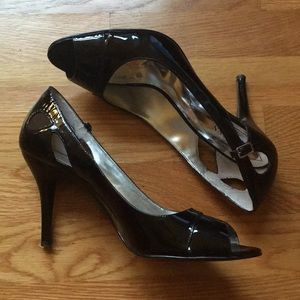 Guess Cut-Out Peep-Toe Black Patent Heels
